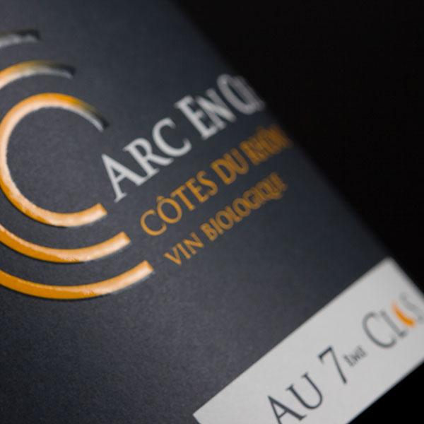 Étiquette vin biologique, Arc-en-ciel, AOC Côtes-du-Rhône à Visan.