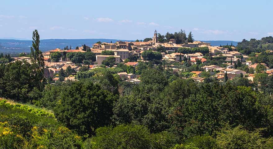 Vue du village de Visan dans le Vaucluse.